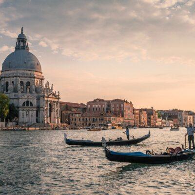 Puntata 66 – Due passi per Venezia | Bunker Beauty: conosciamo l'INCI