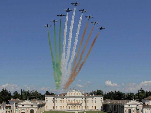 60 anni con le Frecce tricolori, la mostra fotografica a Udine